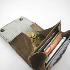 mittlere Geldbörsen mit Fell