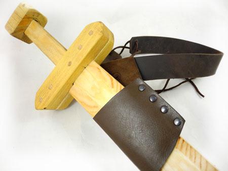 Gürtel und Schwertscheide für Kids